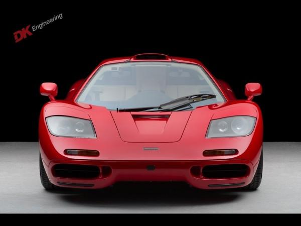Crveni McLaren F1